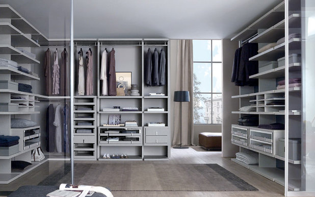 Contemporary Wardrobe by MisuraEmme Interiors UK