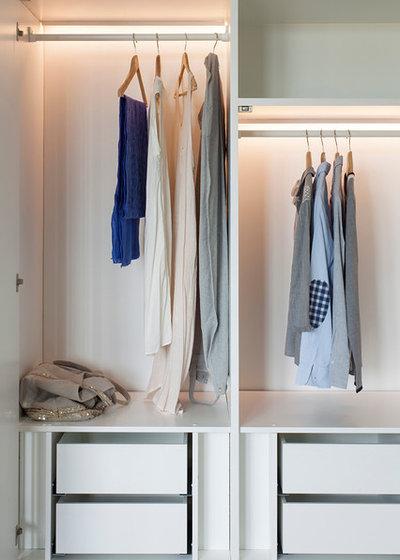 Traditional Wardrobe by Ardesia Design
