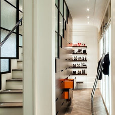 Contemporary Closet by The Society of British & International Design