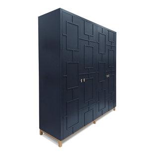 エセックスの広い男女兼用コンテンポラリースタイルのおしゃれな壁面クローゼット (インセット扉のキャビネット、青いキャビネット) の写真