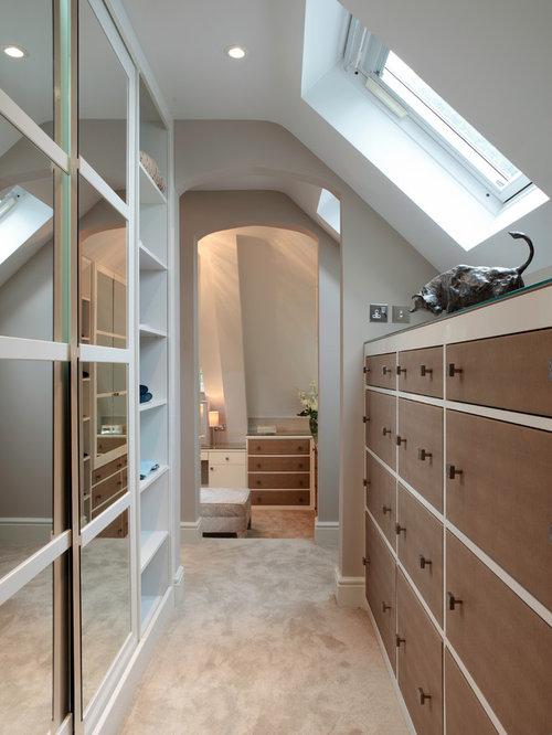 Contemporary closet design ideas remodels photos - Dressing dans les combles ...