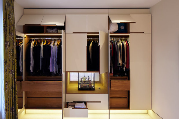 Contemporary Wardrobe by Fraher Architects