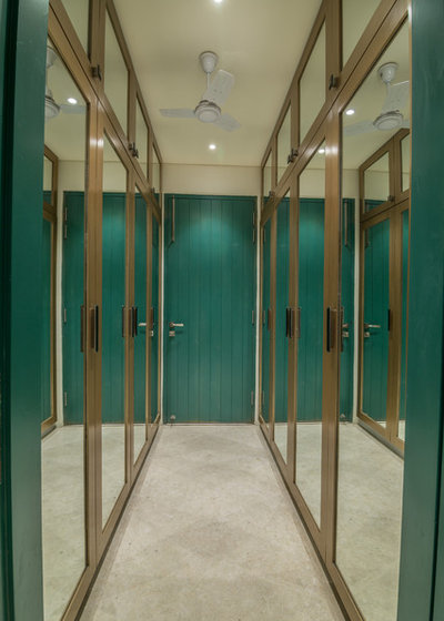 Contemporary Wardrobe by Roped Design