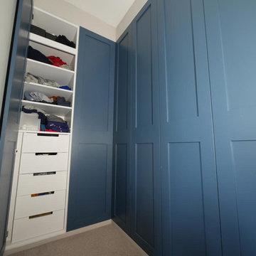 Wardrobe shaker style doors