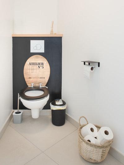 Landhausstil Gästetoilette by Jours & Nuits