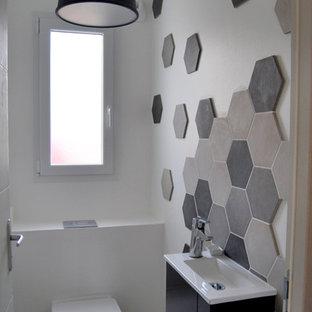 Réalisation d'un petit WC et toilettes design.