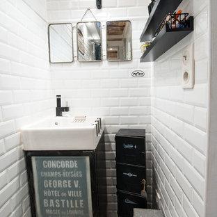 Aménagement d'un WC et toilettes industriel.