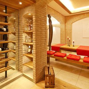 シュトゥットガルトの中サイズのエクレクティックスタイルのおしゃれなワインセラー (ワインラック) の写真