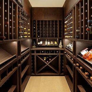 Cette image montre une cave à vin design avec un sol jaune.