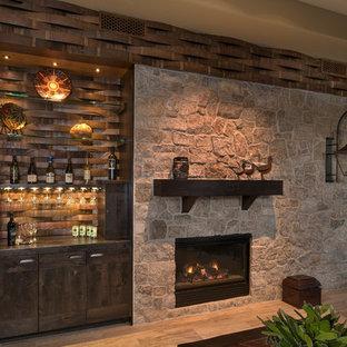 Idée de décoration pour une cave à vin sud-ouest américain.