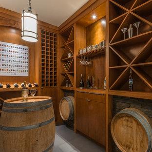 Inspiration pour une cave à vin design avec des casiers losange.