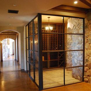 フェニックスのエクレクティックスタイルのおしゃれなワインセラーの写真