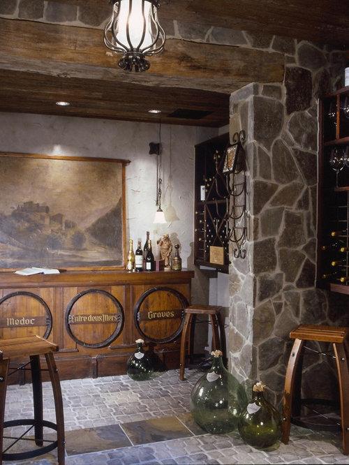 Foto e idee per cantine cantina in montagna con - Mattoni portabottiglie ...