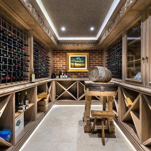 Inspiration för en mellanstor vintage vinkällare, med klinkergolv i keramik och vinhyllor