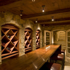 contemporary wine cellar by JMA (Jim Murphy and Associates)