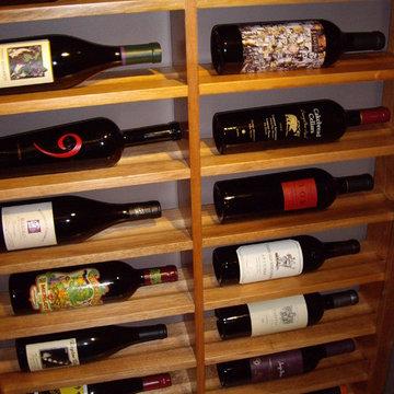 Horizontal Display Texas Custom Wine Racks for Wine Showcasing