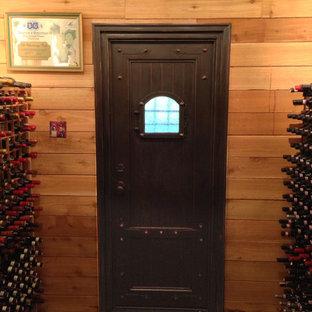 Mittelgroßer Mediterraner Weinkeller mit Kammern in Sonstige