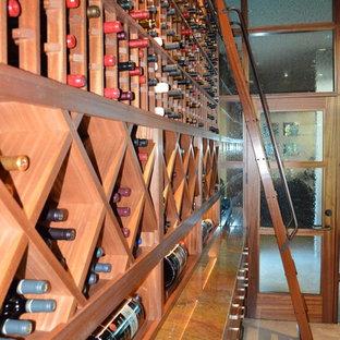 Großer Stilmix Weinkeller mit Kammern in San Diego