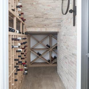 Cette image montre une cave à vin rustique.