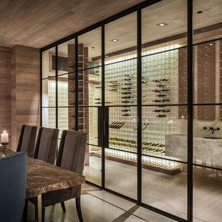 Ispirazione per una cantina moderna con pavimento con piastrelle in ceramica, rastrelliere portabottiglie e pavimento bianco