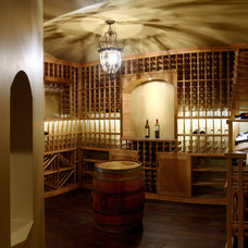 Traditional Wine Cellar by Chicago Wine Cellar Expert Inc.