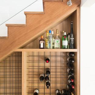 サンシャインコーストの小さいコンテンポラリースタイルのワインセラーの画像 (ワインラック)