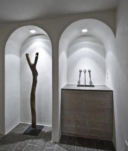 Modern Wine Cellar by Castro Design Studio