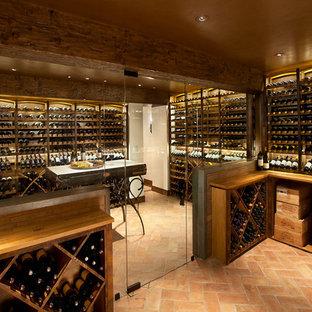 Aménagement d'une cave à vin montagne.