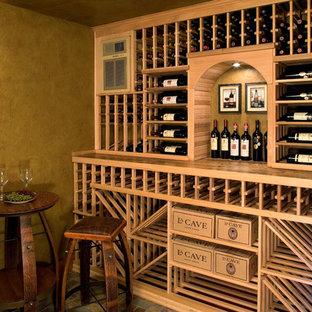 ミネアポリスの地中海スタイルのおしゃれなワインセラー (ワインラック) の写真