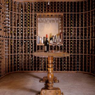 アルバカーキのサンタフェスタイルのおしゃれなワインセラーの写真