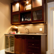 Traditional Wine Cellar by Harbour City Kitchens