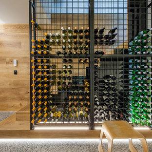 Diseño de bodega contemporánea con botelleros