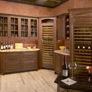 Exemple d'une cave à vin chic de taille moyenne avec un sol en bois clair et des casiers.