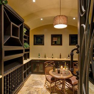 Idées déco pour une cave à vin asiatique.