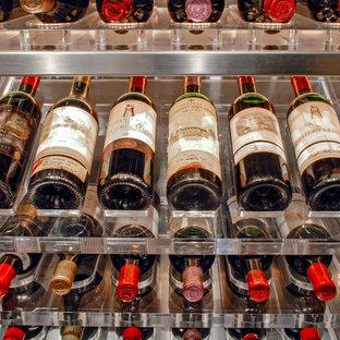 Foto de bodega minimalista, grande, con suelo de linóleo, botelleros y suelo blanco