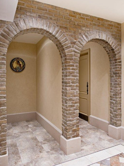Wine cellar in thin brick veneer for Modern brick veneer