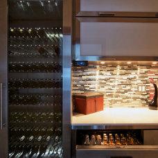 Modern Wine Cellar by Vin de Garde MODERN WINE CELLARS Inc.