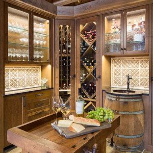 ミネアポリスのトラディショナルスタイルのおしゃれなワインセラー (菱形ラック) の写真