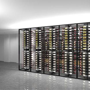 Exemple d'une cave à vin moderne.