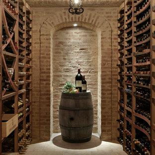 Inspiration för en medelhavsstil vinkällare