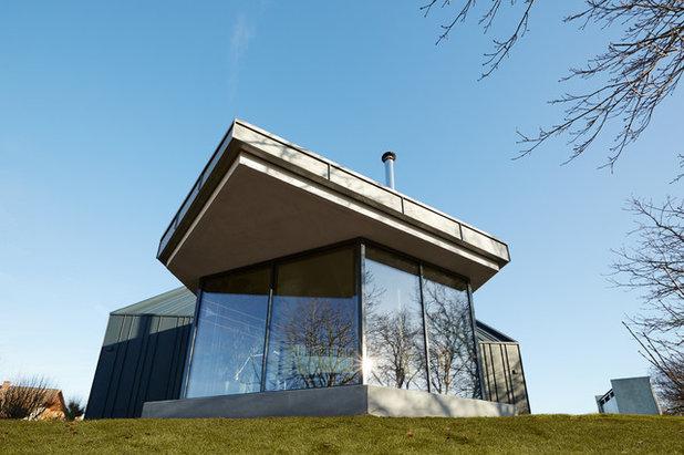 Modern Wintergarten by BACHMANNVANAAKEN ARCHITEKTEN