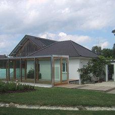 Contemporary Sunroom by studio lot Architektur | Innenarchitektur