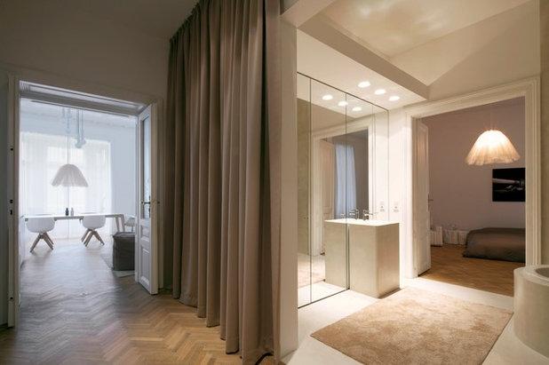 Modern Wohnbereich by destilat Design Studio GmbH
