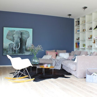 Soggiorno con pareti blu Francoforte - Foto e Idee per Arredare