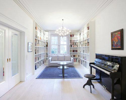 Ideen Für Große, Fernseherlose, Abgetrennte Moderne Bibliotheken Ohne Kamin  Mit Weißer Wandfarbe Und Hellem