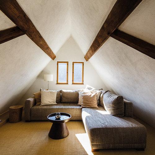 Salle de séjour mansardée ou avec mezzanine Francfort ...
