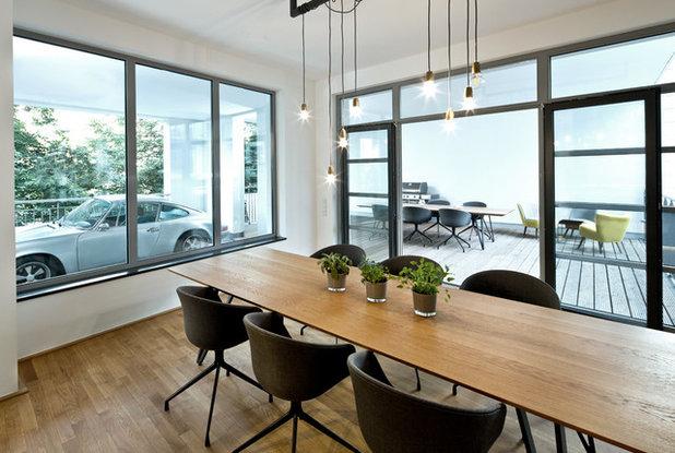 Modern Wohnbereich by DIA – Dittel Architekten GmbH