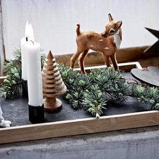 Das weihnachtlich dekorierte Holztablett CANDLE TRAY