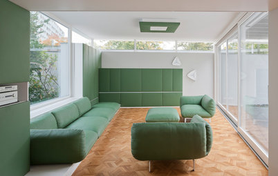 Berlin Houzz Tour: Curved, Contemporary Lines Revamp a '50s Home