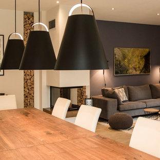 Soggiorno con pavimento con piastrelle in ceramica Monaco di Baviera ...